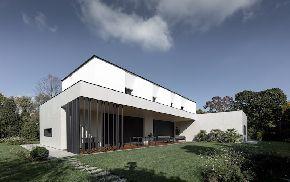 Дом в Тревизо с Ламинам