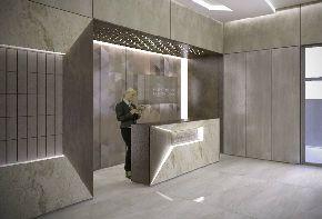 Крупноформатный керамогранит в дизайне входных групп квартала «Резиденция архитекторов»